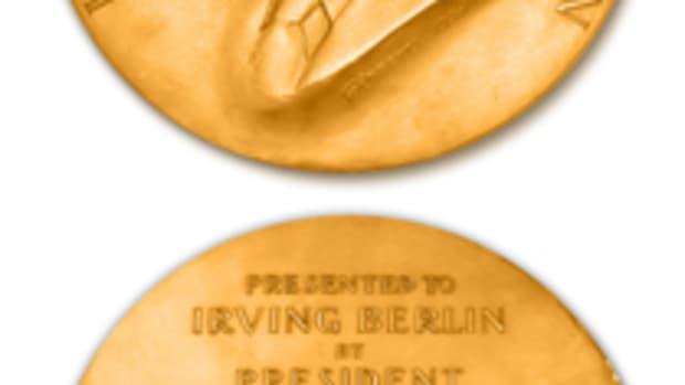 BerlinMedal0605 vert