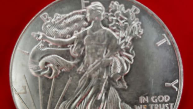 One of the 10 fake silver American Eagles sold to an unsuspecting victim who responded to an unsolicited advertisement on Facebook. (Image courtesy of fraud victim.)