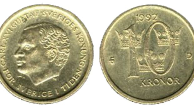 Coins and bank notes of Sweden may soon be something out of the past due to the popularity of electronic transfer systems. The coin shown is already obsolete.