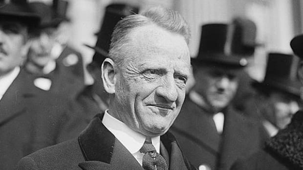 Carter Glass, Democratic senator from Virginia at the time, co-sponsored the Glass-Borah rider to the Federal Home Loan Bank Act of July 22, 1932, that resulted in a 33 percent increase in National Bank Note circulation in 1932-1933. Wikipedia photo.