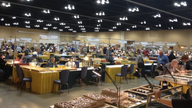 View of the Central States show bourse floor.