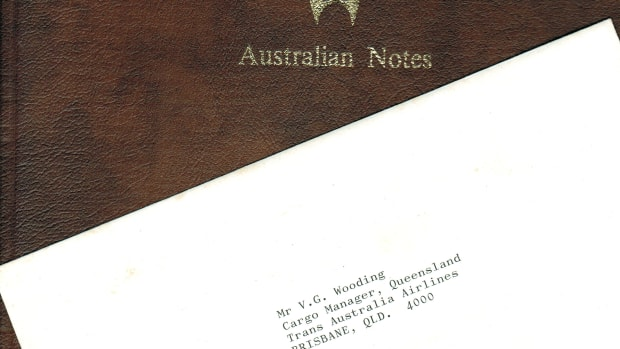 Cover of TAA Specimen Set folder with 1985 presentation card from the RBA. (Image courtesy Roxburys Auction House.)