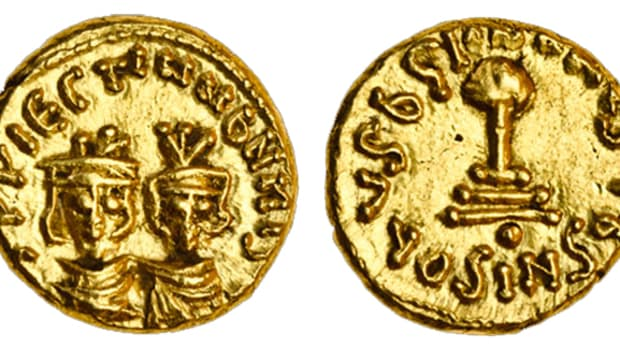 Rare Umayyad Arab-Byzantine gold semissis, c.700-704, from North Africa that realized £12,600 [$19,705]. The obverse shows a double bust of Byzantine Emperor Heraclius and his son Heraclius Constantine. The reverse legend translates as, 'There is no God except God [Allah], He is alone with no partner'. Image courtesy Spink UK.