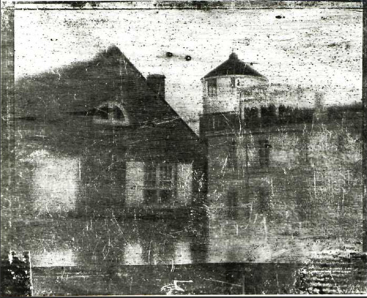 An 1839 daguerreotype of Central High School in Philadelphia, Pa., alleged to be the oldest photograph taken in the United States. (Image by Joseph Saxton [Public domain], via Wikimedia Commons)