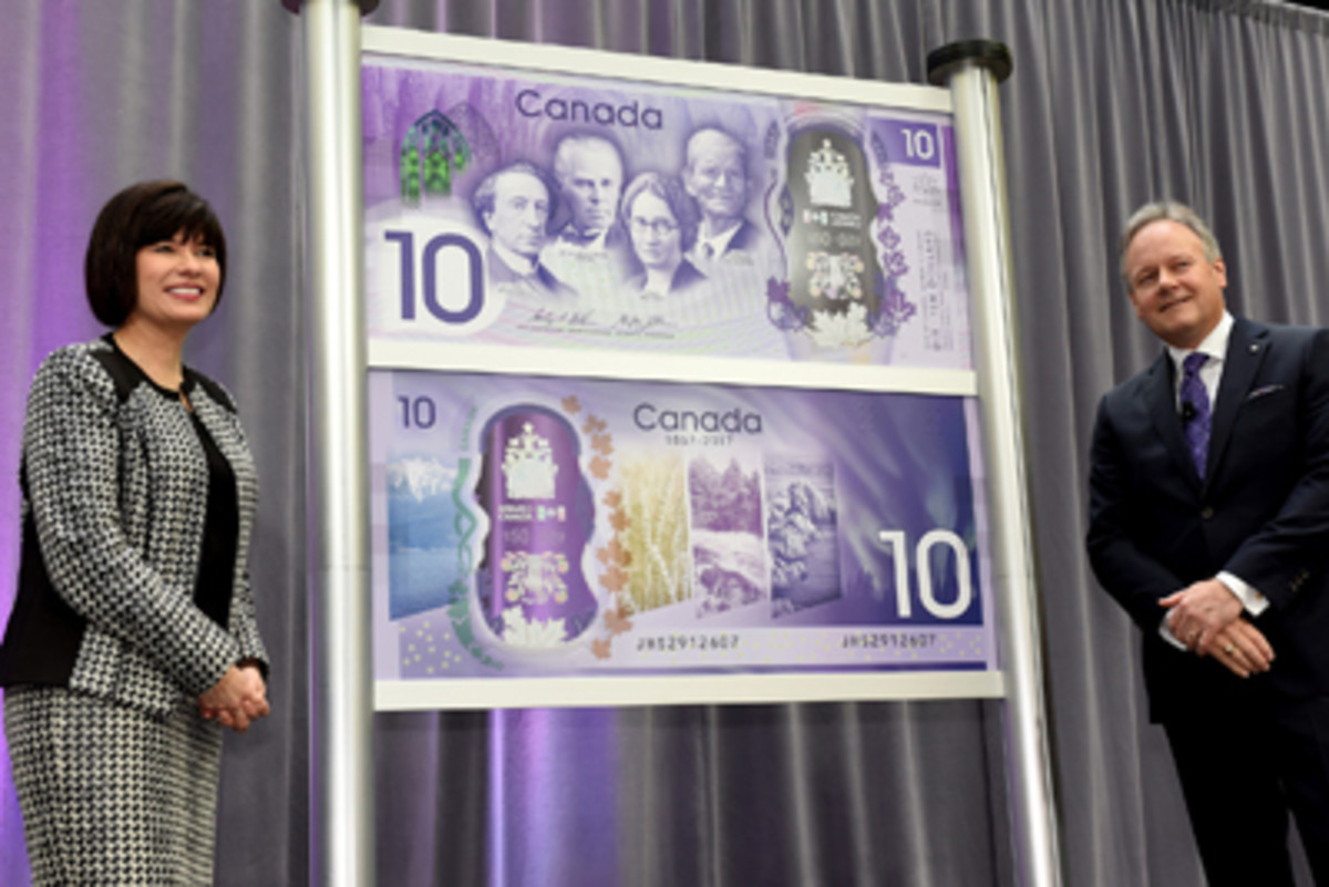 Ginette Petitpas Taylor, Parliamentary Secretary to the Minister of Finance and Stephen S. Poloz, Governor of the Bank of Canada, at the June unveiling of the new $10 note.