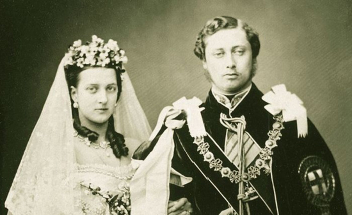 Official 1863 wedding photo of Albert Edward, Prince of Wales, and Alexandra of Denmark. This striking image of Alexandra could well have provided the model for the BWC engraver responsible for the bank note vignette. (Image courtesy Library of Congress)