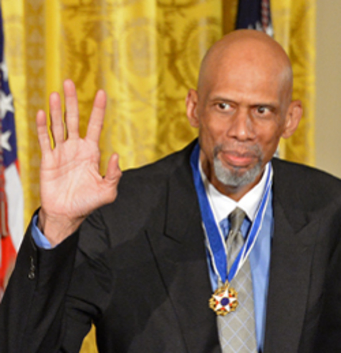 WASHINGTON, DC - NOVEMBER 22:  President of the United States, Barack Obama presents NBA Hall of Famer Kareem Abdul-Jabbar with a medal during a ceremony for the Presidential Medal of Freedom at the White House on November 22, 2016 in Washington D.C. NOTE TO USER: User expressly acknowledges and agrees that, by downloading and or using this photograph, User is consenting to the terms and conditions of the Getty Images License Agreement. Mandatory Copyright Notice: Copyright 2016 NBAE (Photo by Jon SooHoo/NBAE via Getty Images)