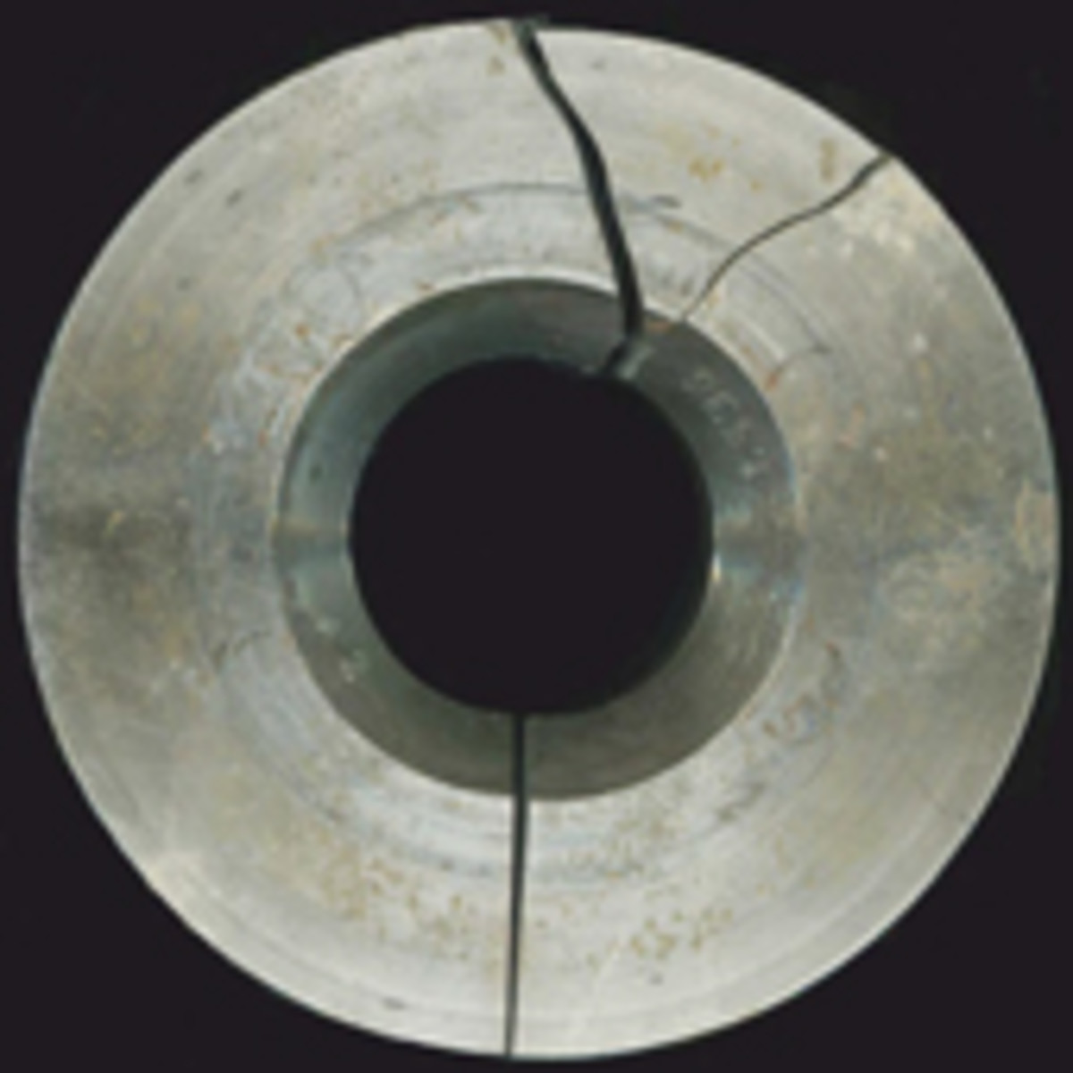 Double Collar Cuds are formed when the collar die breaks, allowing metal to flow outwards.
