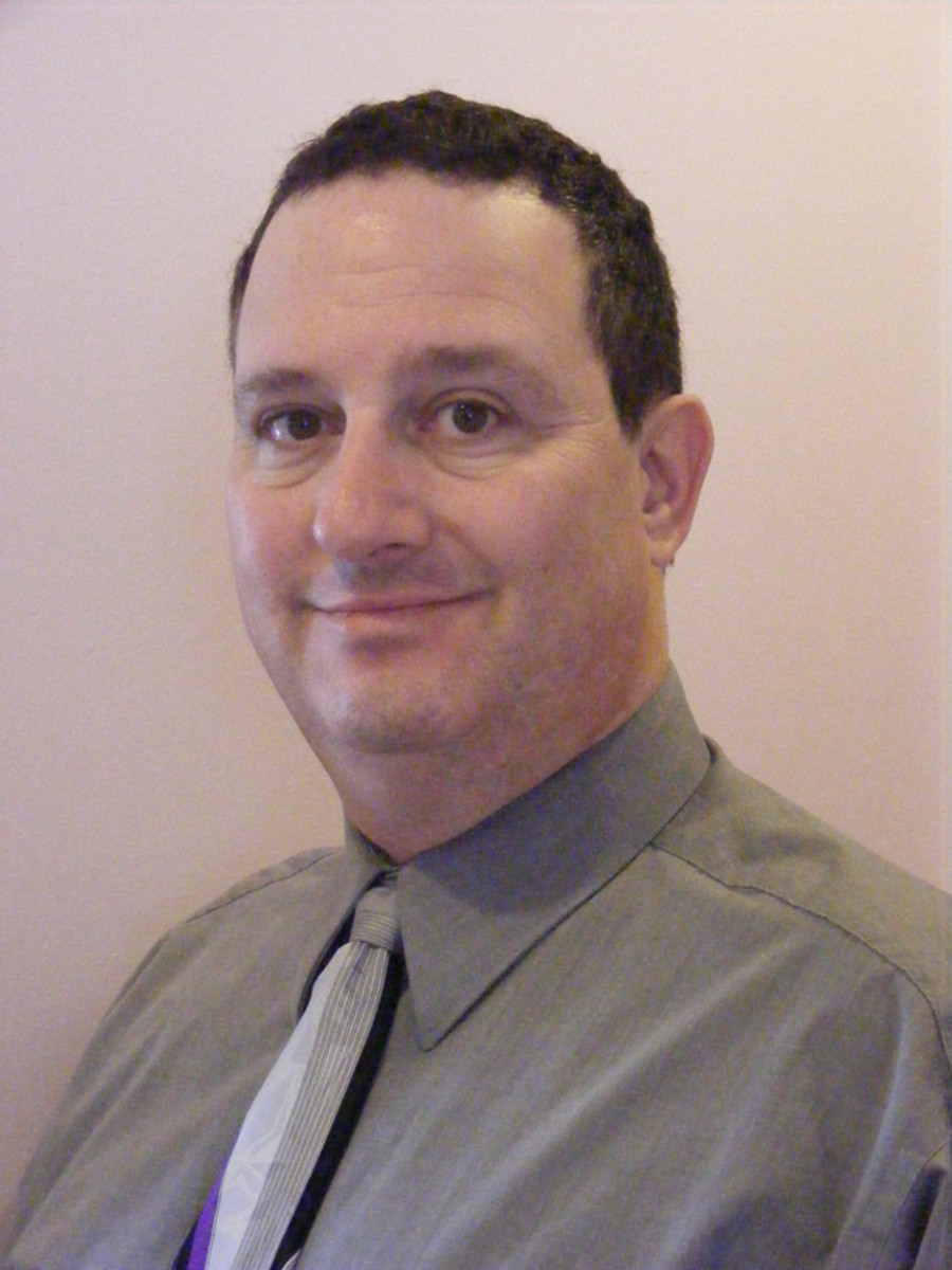 Idaho collector Oded Paz is running for a seat on the 2015 American Numismatic Association board of governors.