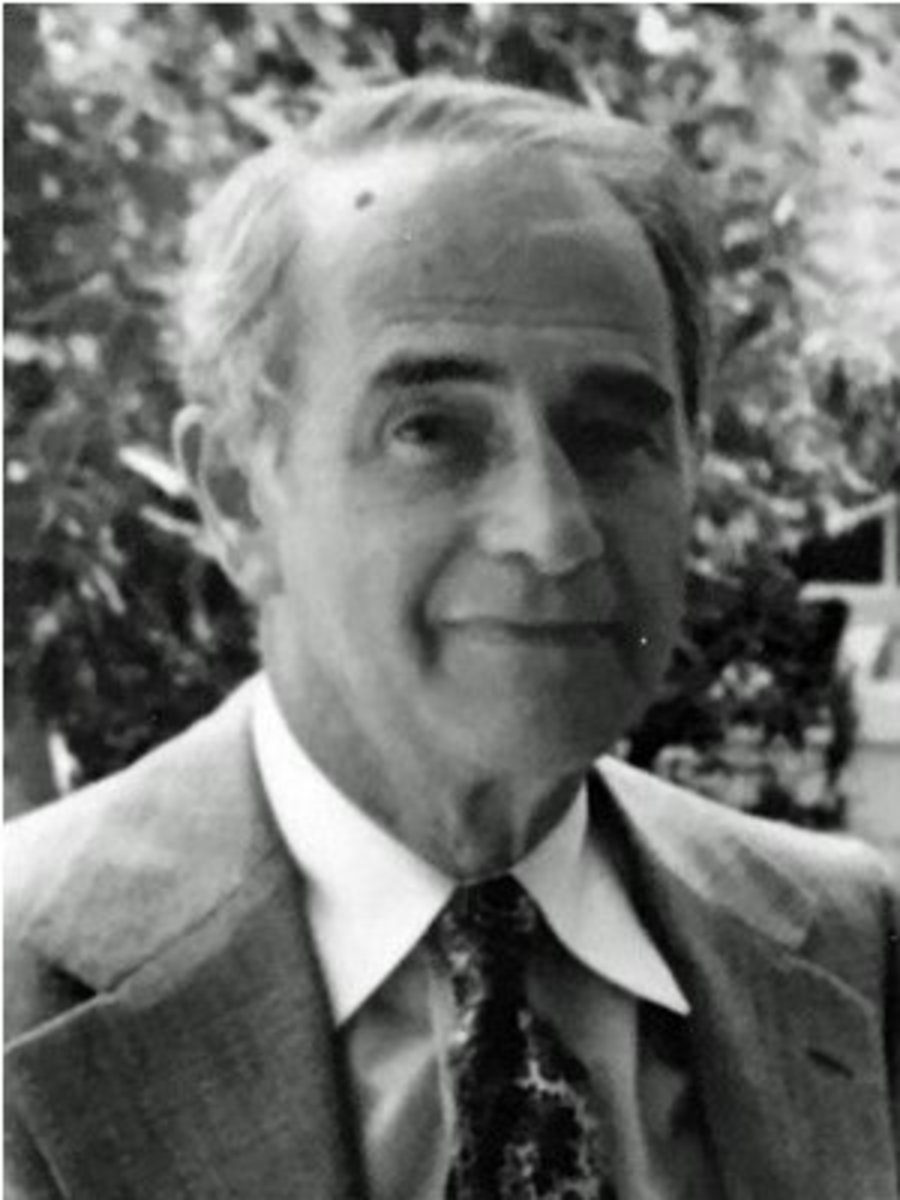 Harry Flower, 1980. (Image courtesy Phyliss Flower via Chicago Coin Club.)