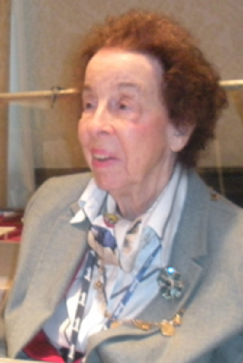 Catherine Bullowa-Moore at the 2011 New York International Numismatic Convention.