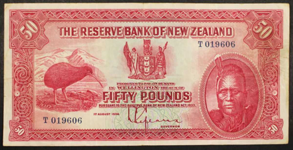 During a past auction presented by Mowbray Collectables, this 50-pound issue of The Reserve Bank of New Zeland sold for $24,154. (Image courtesy Mowbray Collectables)