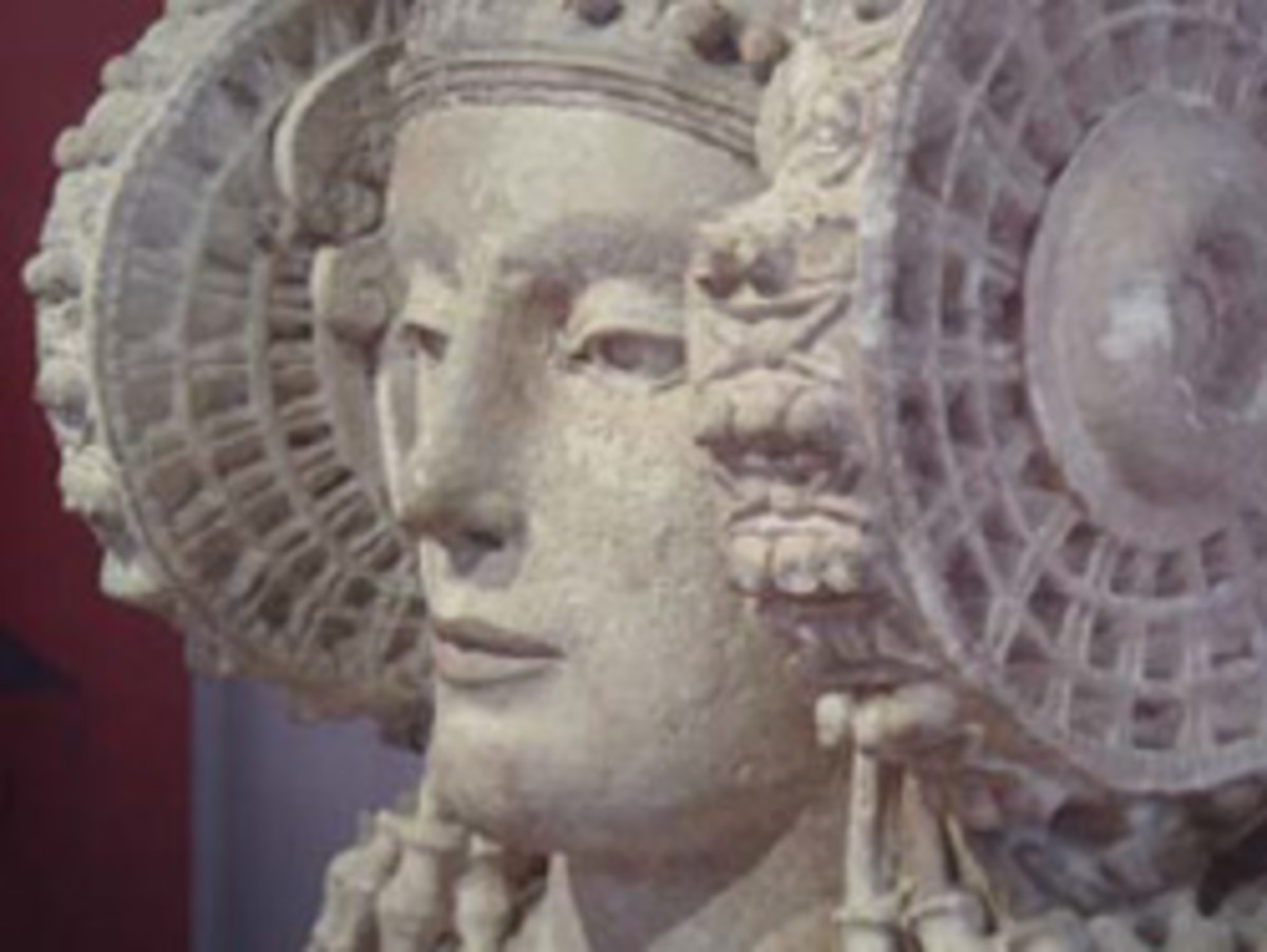 Detail of the Dame of Elche. (Image by Manuel Parada López de Corselas, Libres de la Historia del Arte, Wikimedia Commons.)