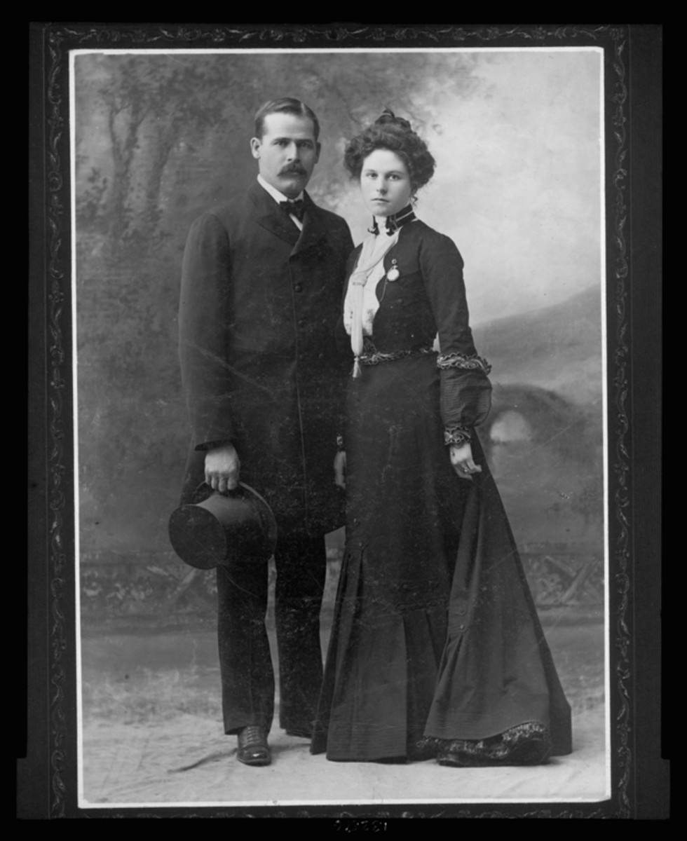 Famous image of Sundance Kid and Etta Place in New York, prior to their departure for South America.