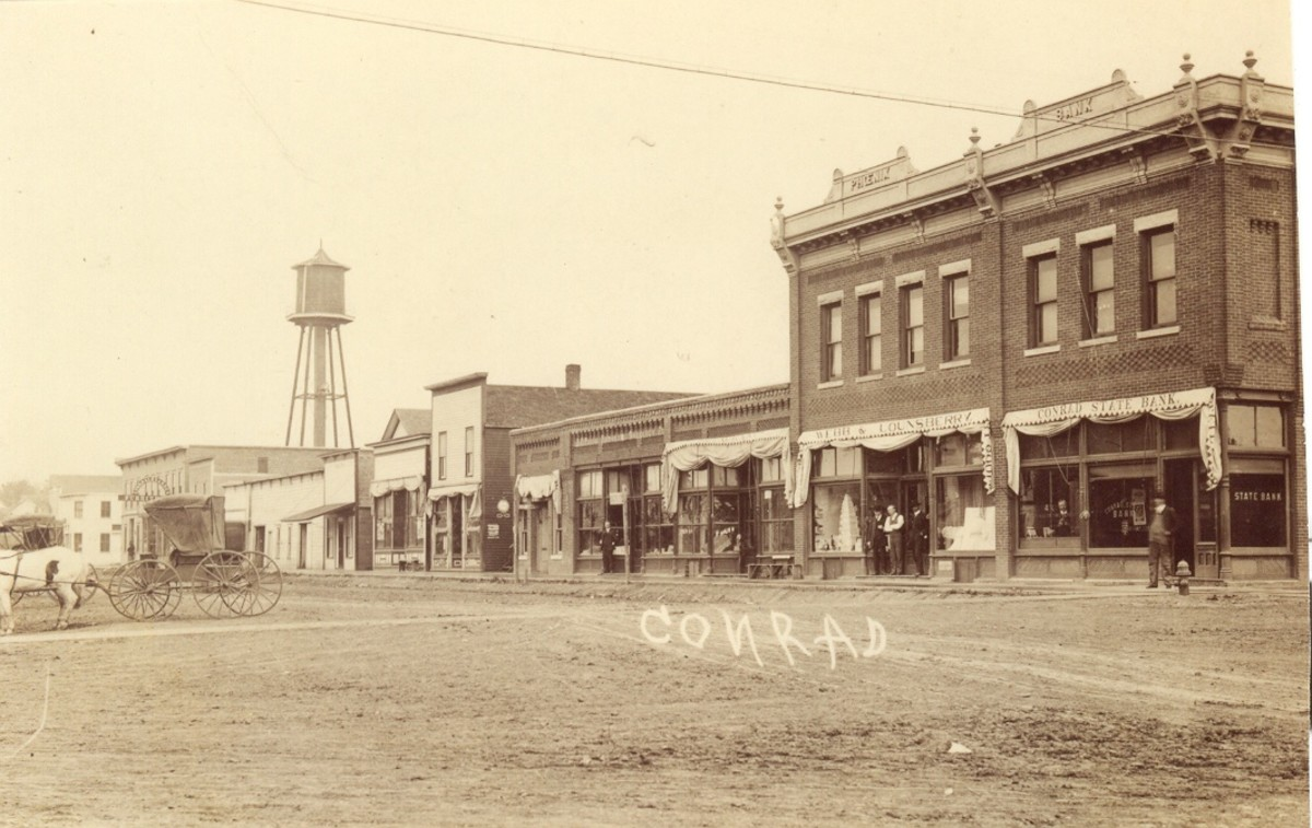 Image 7 - Conrad old view with State Bank