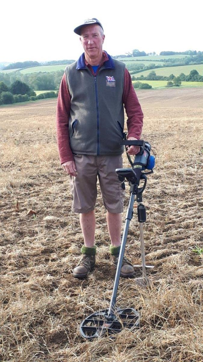 Tom Thomas all set for another bout of detecting. (Image courtesy and © Hansons)