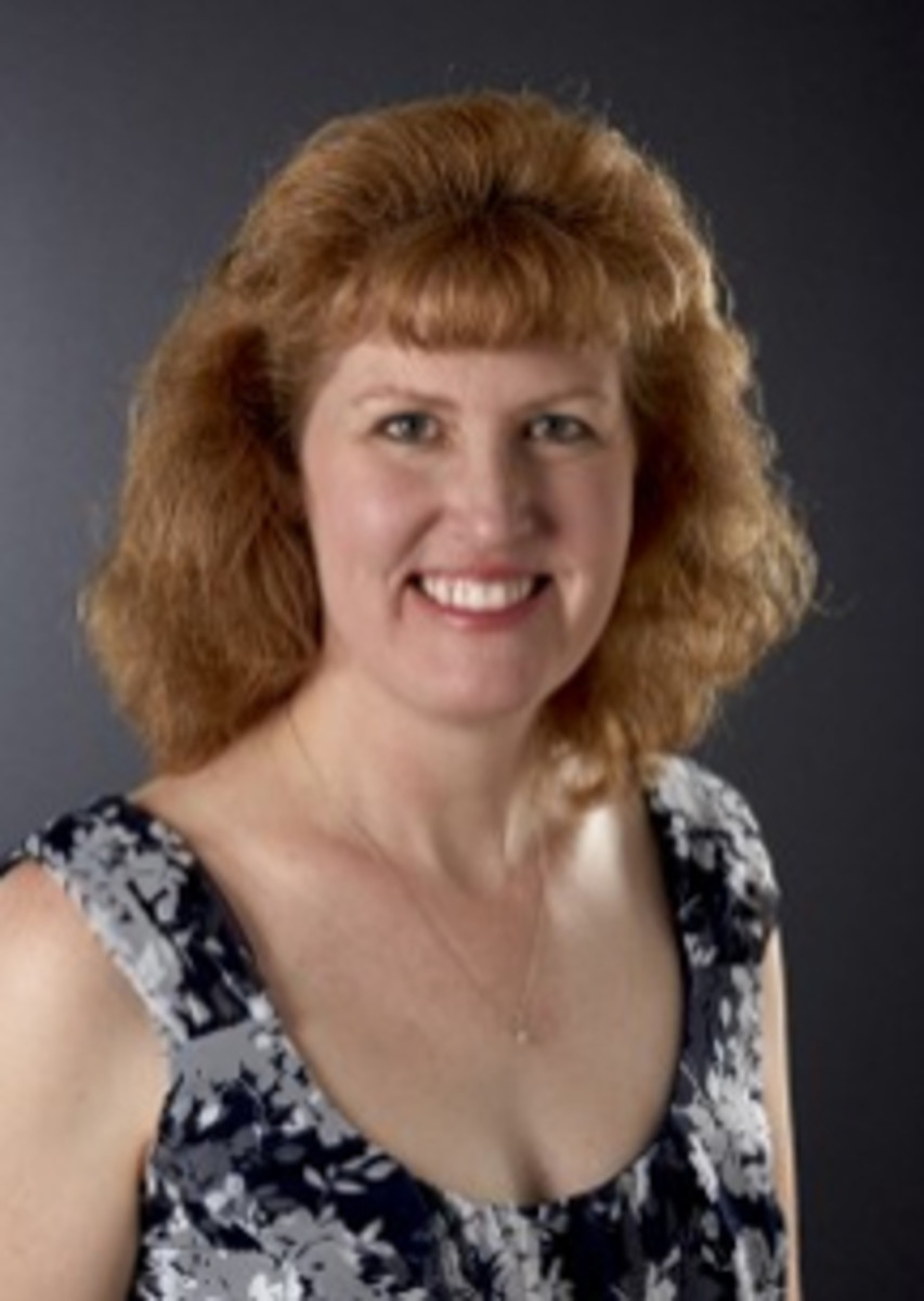 Tracy Schmidt, Standard Catalog Editor