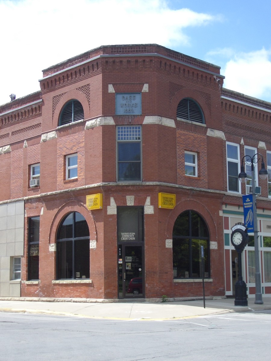 The original Merchant's National Bank building still stands in Grinnell, as can be seen in this current photo. By 1910, the bank had outgrown this space and commissioned a new building to be designed by famed architect Louis H. Sullivan.
