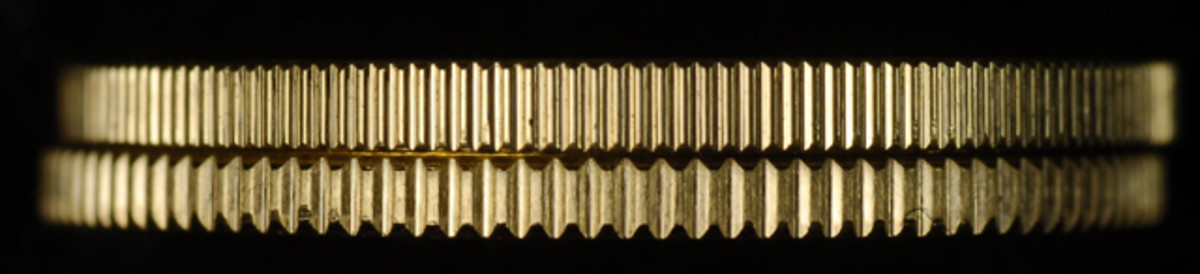 The narrow reeding variety (top) and the wide reeding variety (bottom).