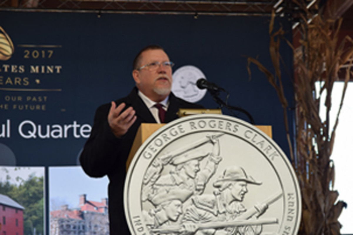 Dave Motl speaks at the ceremony. (U.S. Mint photo by Sharon McPike)