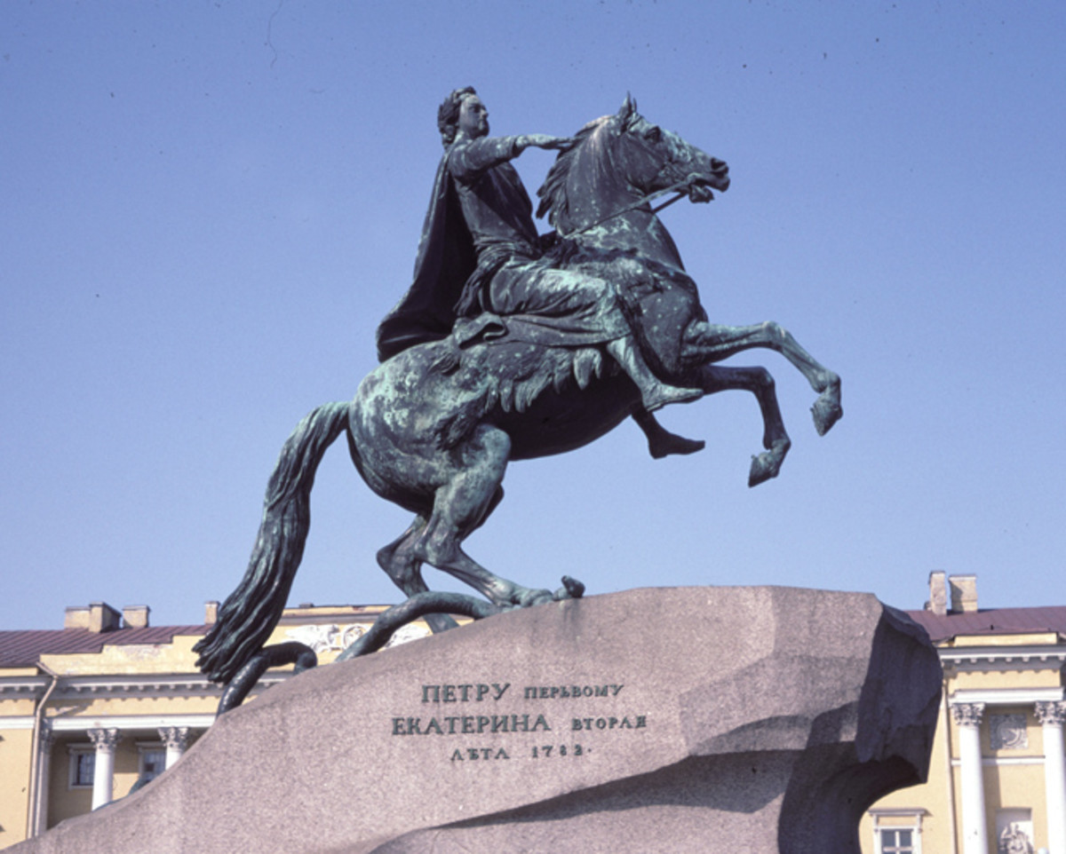 The 1782 equestrian status to Peter I erected in St. Petersburg by order of Catherine II.