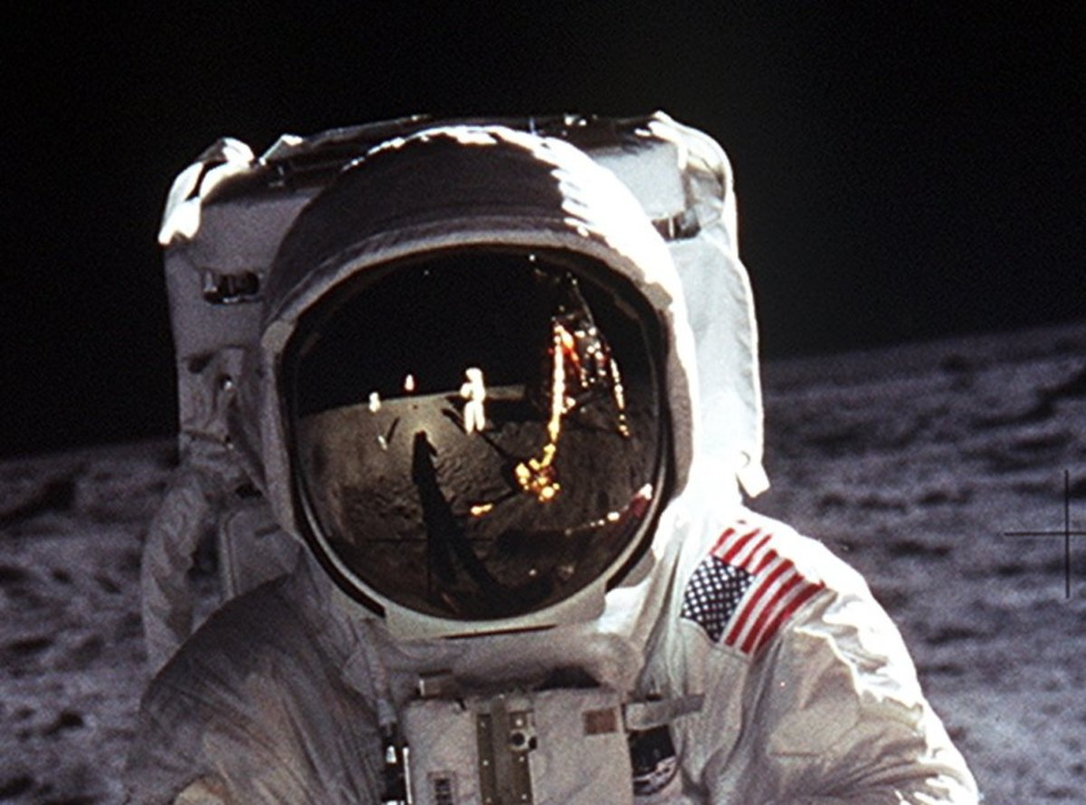 """The coin's reverse design is based on Neil Armstrong's photograph, """"Buzz Aldrin on the Moon."""""""