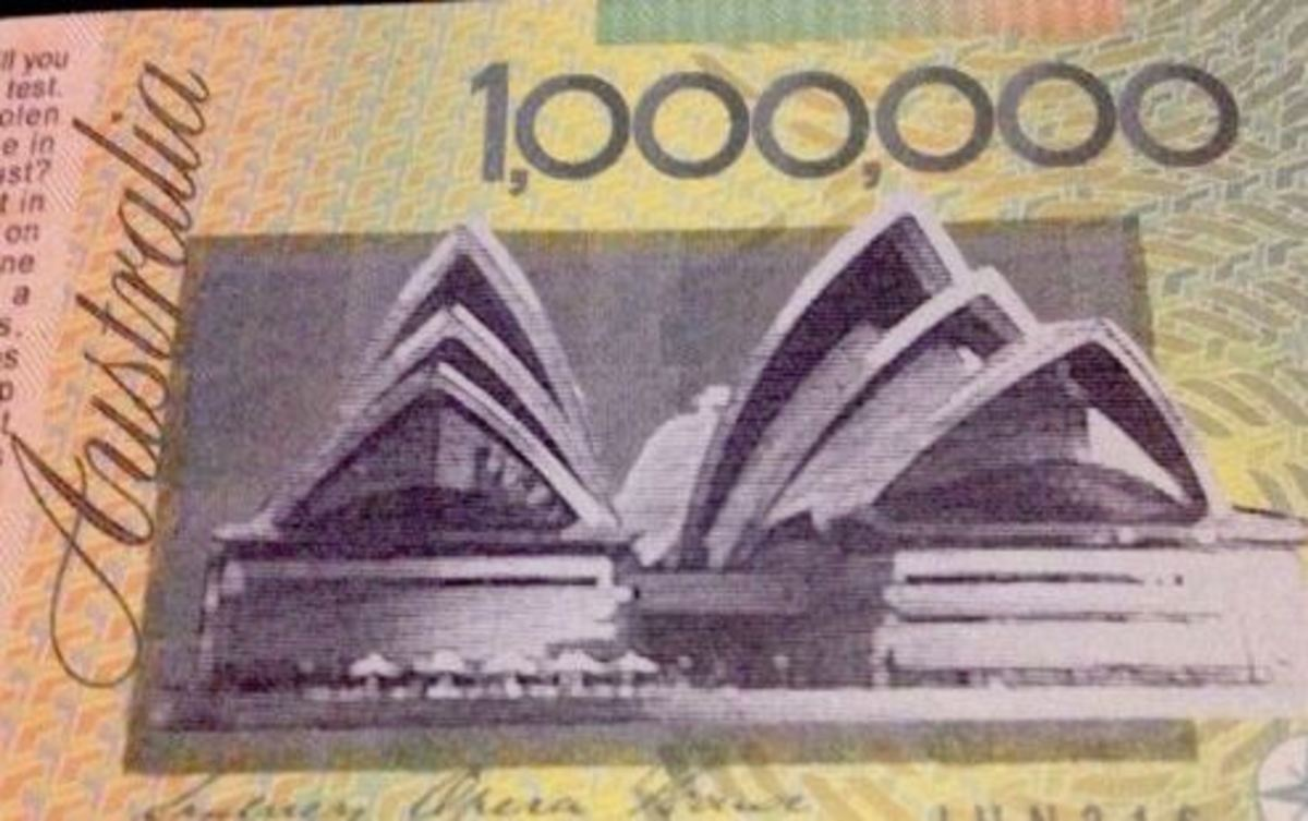 Australian rogue politician and Member of Parliament Craig Kelly has issued his own $1 million bank notes. The notes may violate Australian's copyright laws