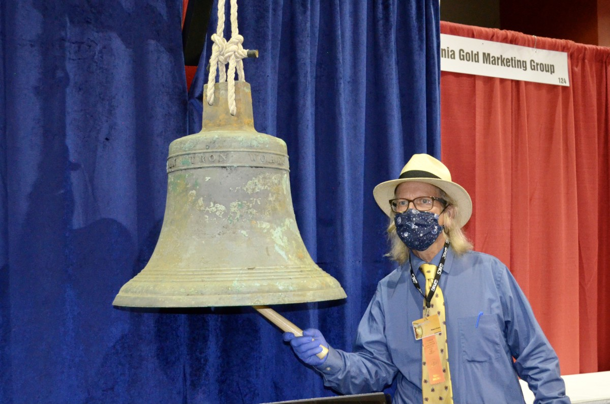 Bob Evans rings 268 pound SSCA bell-DP