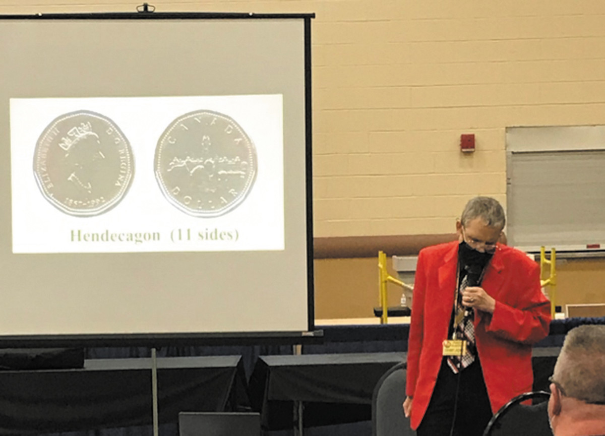 Simcha Kuritzky speaking on polygonal coins at PAN show in Pittsburgh (2020).